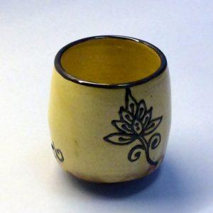 beker (yunomi), met bloem motief, licht